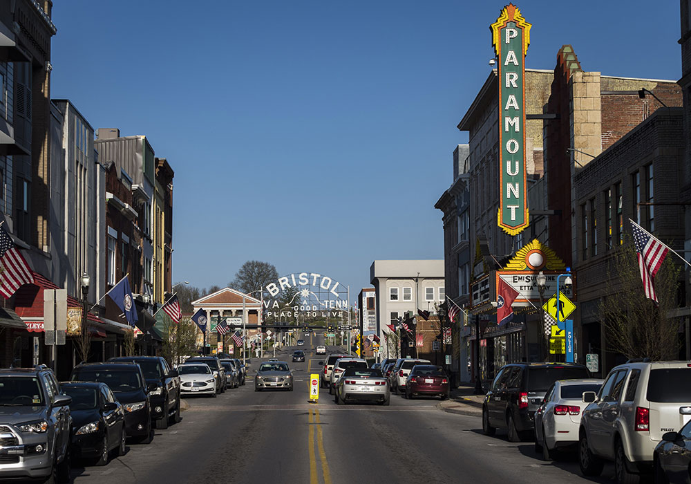 State Street: Bristol, Tennessee, and Bristol, Virginia