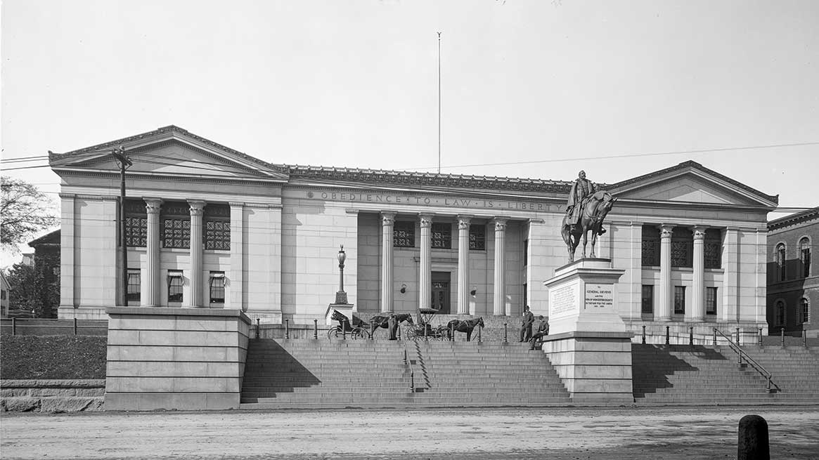 This former courthouse (circa 1908) now offers mixed-income housing
