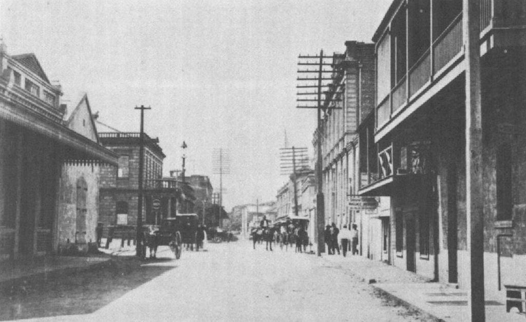 MerchantStreet_1890s_PublicArchivesofHawaii[Publicdomain]