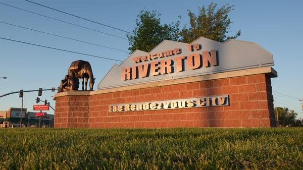 Riverton_Sign.jpg