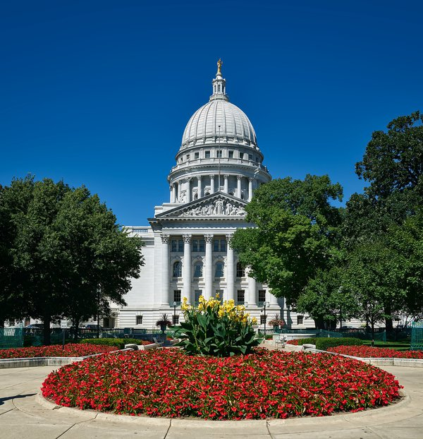 madison-1845244_1920 APA-WI